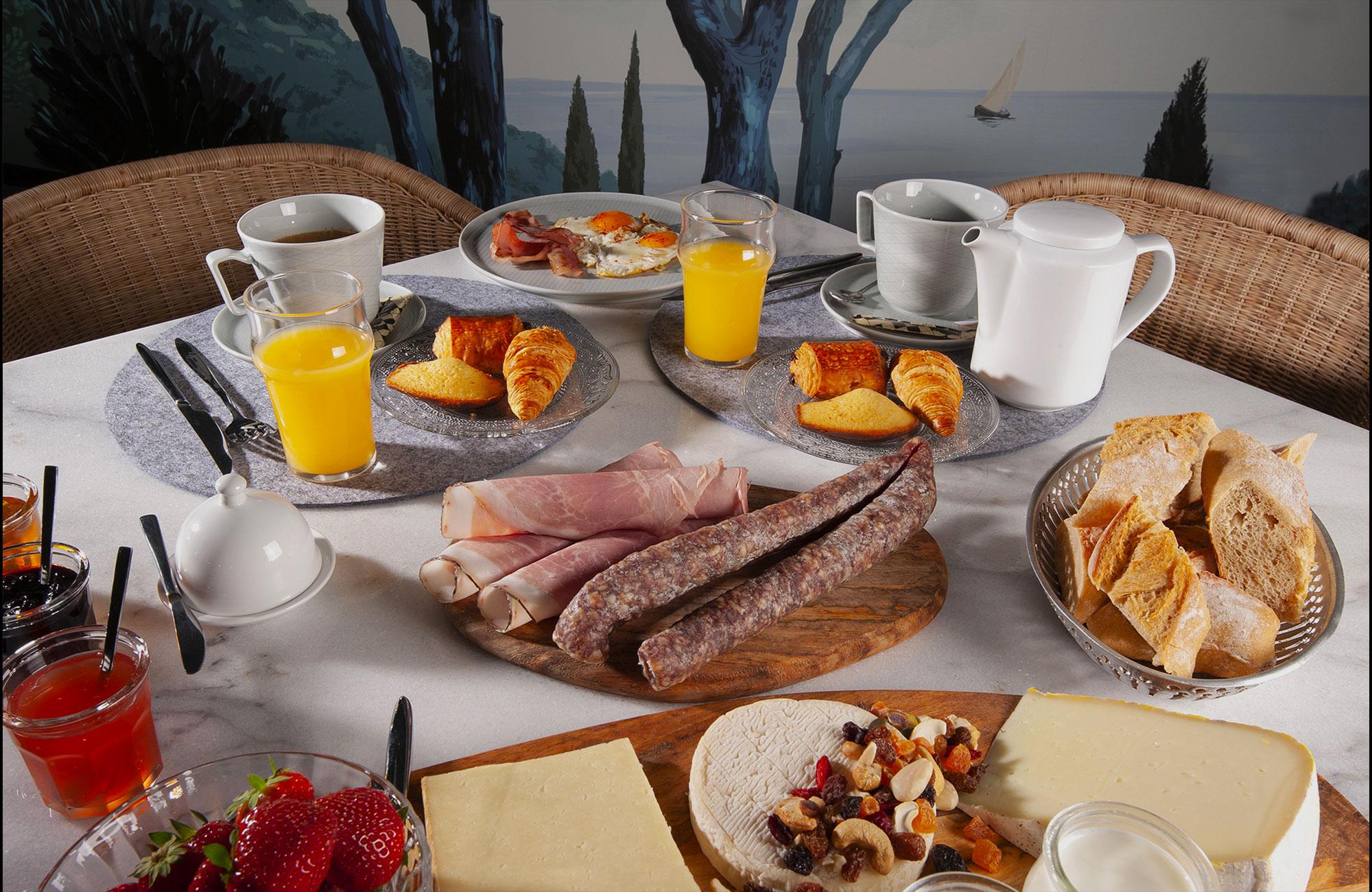 petit dejeuner hôtel